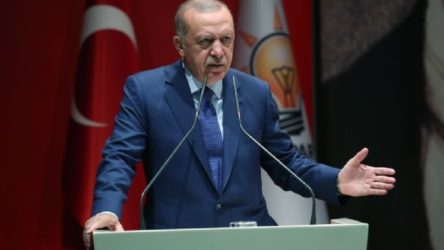 Erdoğan, partisinin kadın kolları kongresinde: Bu lezbiyenlerin mezbiyenlerin söylediklerine takılmayın