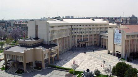 Tadilatına 5 milyon lira harcanan, mimarisi ödüllü olan binanın yerine Millet Bahçesi