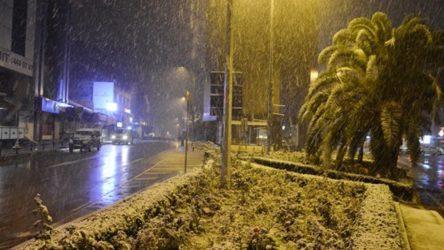 Meteoroloji'den haftaya İstanbul için kar uyarısı