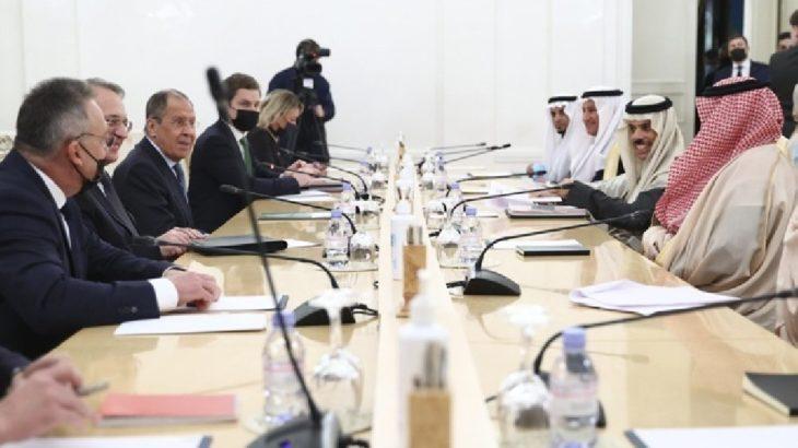 Lavrov'dan ABD ve ortaklarına: Ortadoğu'da 'züccaciye dükkanına girmiş fil' gibiler