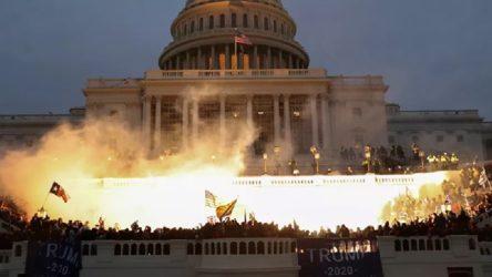 ABD'de Kongre binası baskınından sonra Beyaz Saray'dan 3 istifa