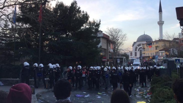 Polisten, Boğaziçi Üniversitesi öğrencilerine plastik mermi ve biber gazlı müdahale!