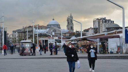 Türkiye'de bugün 212 kişi hayatını kaybetti, 12 bin 203 yeni vaka