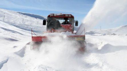 Erzurum ve Erzincan'da 499 köy yolu ulaşıma kapandı