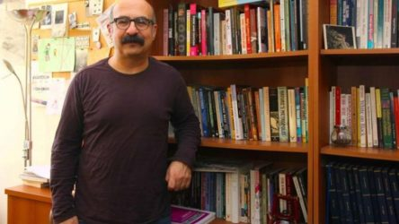 Boğaziçi Üniversitesi'nde Rektör Danışmanı Prof. Zafer Yenal istifa etti