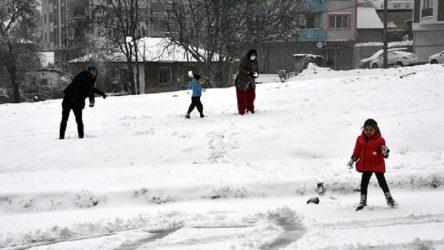 Kar nedeniyle 9 ilde yüz yüze eğitime ara verildi