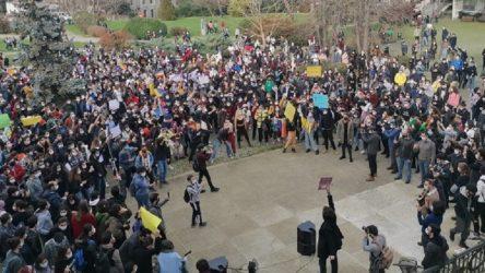 344 yazar, şair, sanatçı ve gazeteciden Boğaziçi öğrencilerine destek