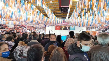 İzmir Tabip Odası Başkanı Çamlı, AKP İzmir İl Kongresini eleştirdi