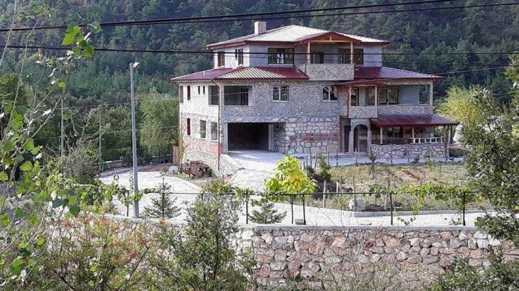 AKP'li belediye başkanı villasında koronavirüs aşısı oldu