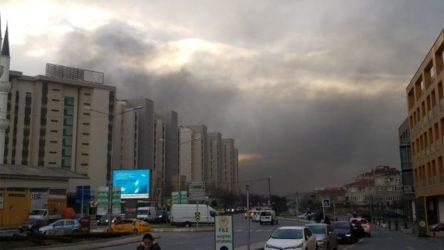 Ümraniye'de bir fabrikada yangın çıktı