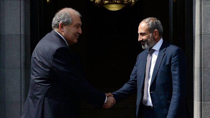 Ermenistan Cumhurbaşkanı, muhtıra veren Genelkurmay Başkanı Gasparyan'ı görevden almayı reddetti