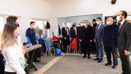 AKP'li Mahir Ünal'a cami çıkışı saldırı iddiası