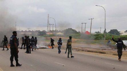 Nijerya'da silahlı kişilerin okula düzenlediği saldırıda yüzlerce öğrenci kaçırıldı