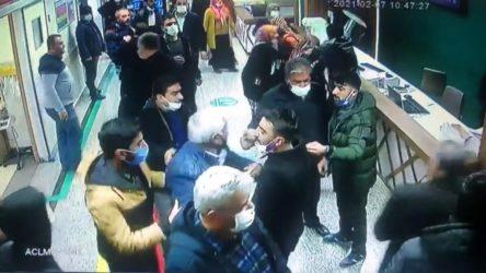 Covid-19 nedeniyle ölen şahsın yakınları sağlık çalışanlarına saldırdı!