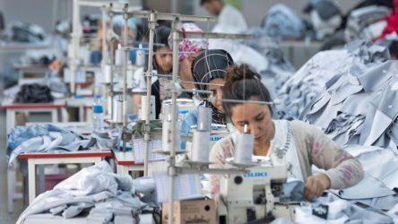 Bordo Tekstil'de işçilere