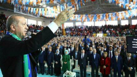 Erdoğan'ın 'lebaleb' dolu kongresini unutan Rize Valisi salgının faturasını yurttaşa kesti