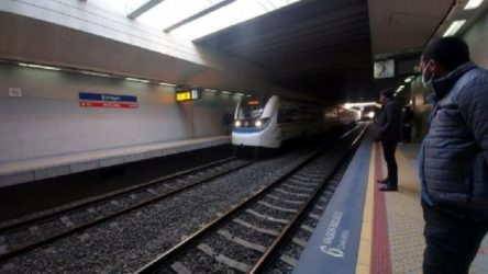 İzmir'de intihar: 20 yaşındaki yurttaş trenin geçişi sırasında raylara atladı