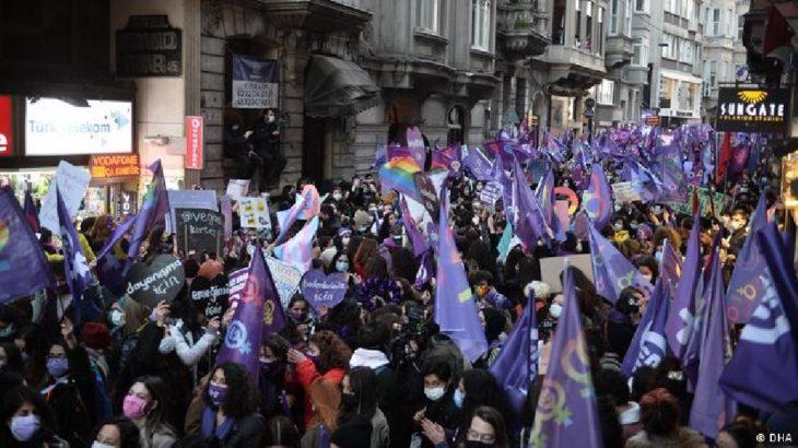 8 Mart'ta gözaltına alınan kadınlar 'adli kontrol' şartıyla serbest