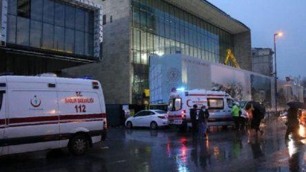 AKM inşaatında asma tavan işçilerin üzerine çöktü: 4 yaralı!