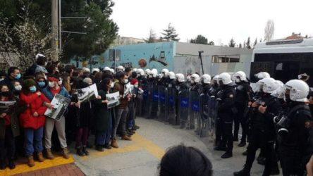 TKH Gençliği'nden AKP'nin rektörüne tepki: Melih Bulu'nun maskesi düşmüştür