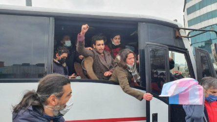 Gözaltına desteğe giden öğrenciler işkenceyle gözaltına alındı!