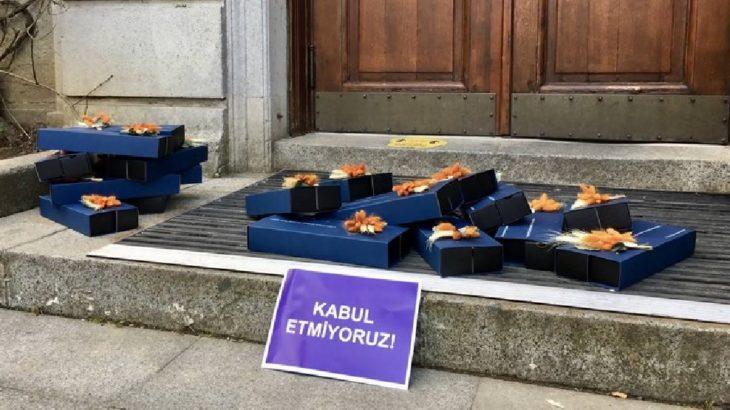 Boğaziçili akademisyenler 8 Mart hediyelerini Bulu'ya iade etti
