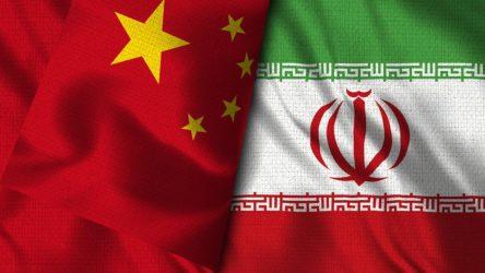 Çin Dışişleri Bakanı İran'da
