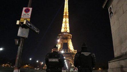 Fransa'da koronavirüs kısıtlamaları: 16 bölgede 4 hafta tam sokağa çıkma yasağı uygulayacak