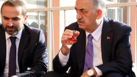 AKP'nin 'Tüzük Değişikliği Komisyonu' Hayati Yazıcı'ya emanet