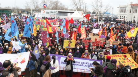 Kadıköy'deki 8 Mart eyleminde gözaltına alınan 9 kişiye tutuklama talebi!