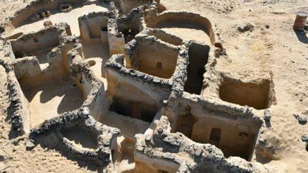 Mısır'daki kazıda dünyanın en eski manastırı bulundu