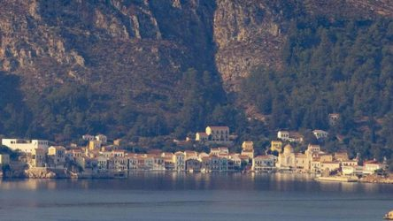 Bakanlık duyurdu: Yunanistan, Meis Adası'na hücumbot konuşlandırdı