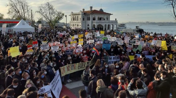 Boğaziçi'ne destek veren YTÜ öğrencilerine soruşturma!