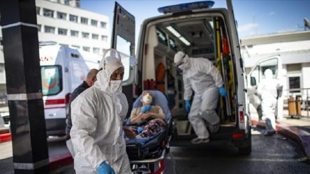 Türkiye'de vaka sayısı 21 bin 30'a yükseldi, 87 kişi hayatını kaybetti