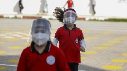 Koronavirüs vakaları görülen bir okulda daha eğitime ara verildi