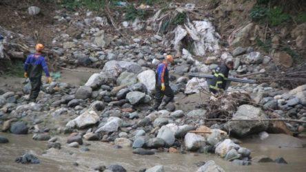 HES'ten yapılan su tahliyesi sırasında işçiler akıntıya kapıldı: 1 işçi hayatını kaybetti!
