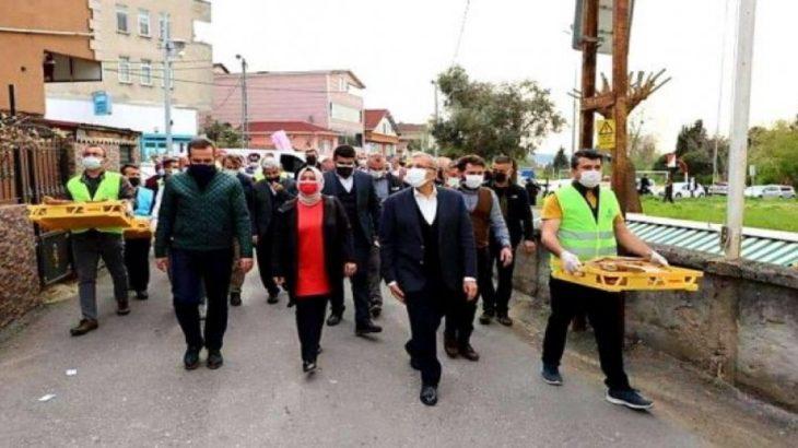 AKP, bu kez 'lebaleb' pide dağıttı...