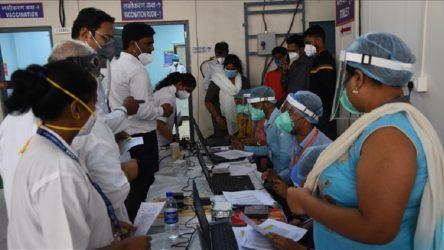 Aşıda eşitsizlik: Dünyadaki aşıların yüzde 60'ını üreten Hindistan'da aşı kıtlığı yaşanıyor