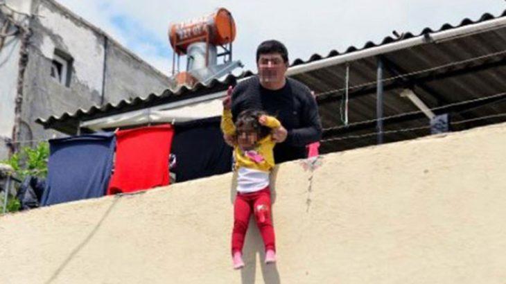 'Büyü bozulacak' diyerek 4 yaşındaki çocuğunu aşağı atmaya çalıştı!