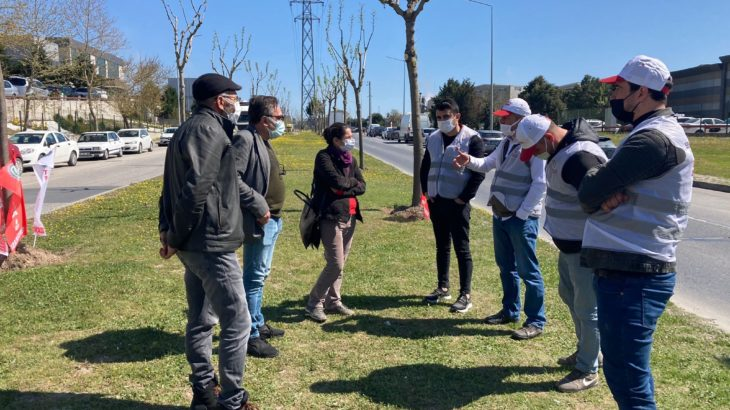 TKH ve Sınıf Tavrı heyetlerinden direnişteki Adkotürk Gıda işçilerine 1 Mayıs ziyareti