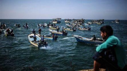 İsrail, Filistinli balıkçılara Akdeniz'de avlanmayı tümden yasakladı