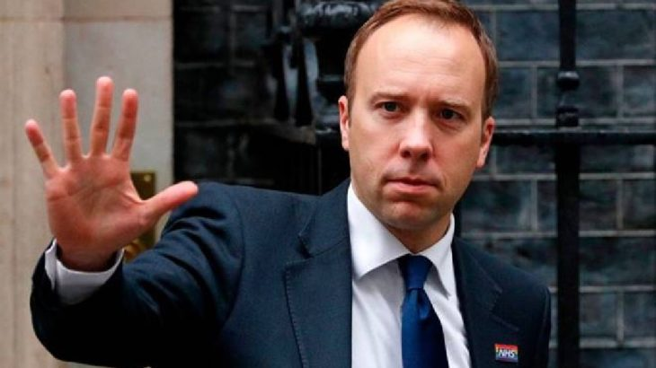 İngiliz Sağlık Bakanı ülkenin sağlık hizmetlerinden ihaleler almış