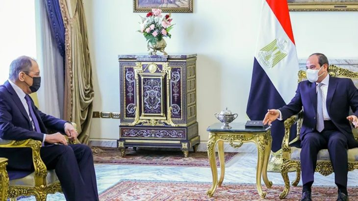 Lavrov ve Sisi Kahire'de bir araya geldi