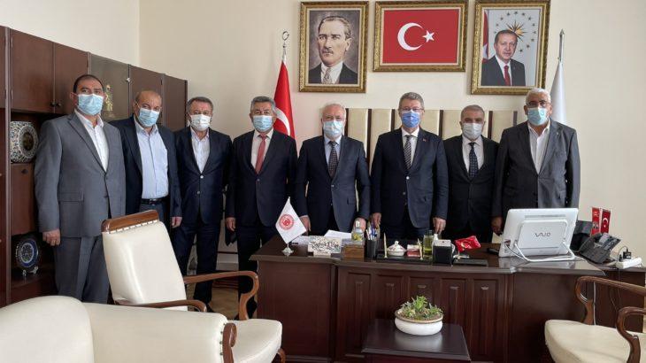 'Suçlu'ların AKP'li yetkililerle boy boy fotoğrafları çıkmaya devam ediyor...