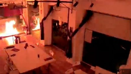 İspanya'da Podemos binasına molotoflu saldırı