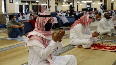 Suudi Arabistan'da camilerde iftar ve sahur yasaklandı