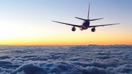 Rusya'da kaybolan yolcu uçağının enkazı bulundu