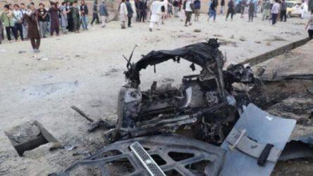 Afganistan'da okul önünde bombalı saldırı