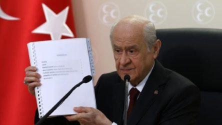 AKP'li Bostancı: Yeni anayasa teklifini memnuniyetle karşılıyoruz