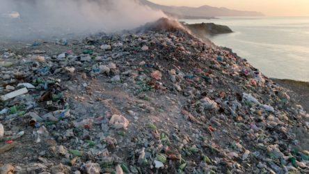 AKP'li belediye, çöp hafriyatını dolgu için denizde kullanıyor!